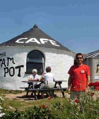 Jam Pot Cafe on the Cornish coast path, dog friendly
