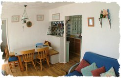 Chalet Pachuca Gwithian dining room, Sleeps 4-6 people Cornwall
