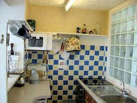 Chalet Pachuca kitchen Gwithian village nearby, Hayle, St Ives Bay,beter than camping